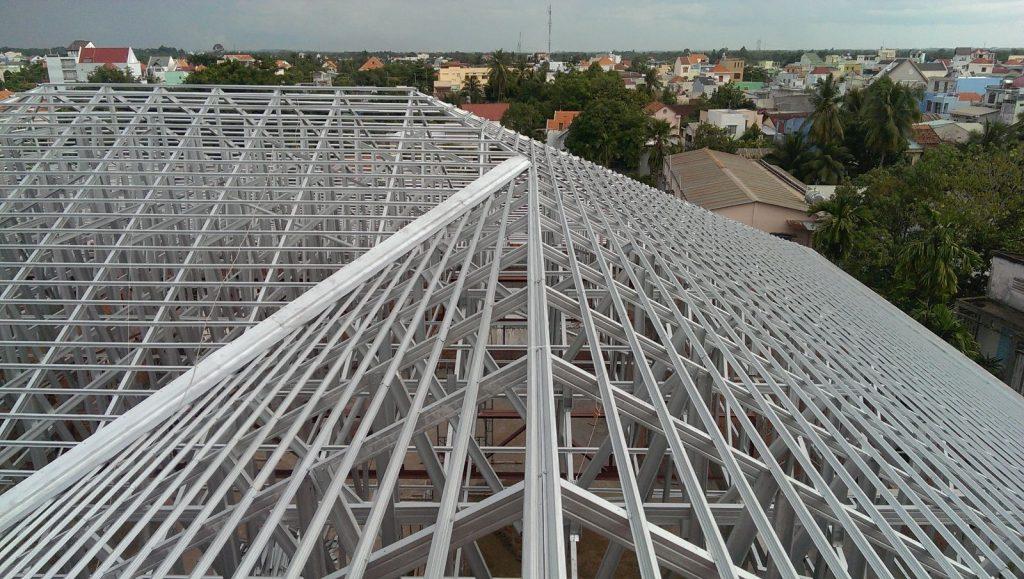 làm khung giàn mái nhà